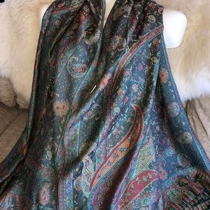 unknown Accessories - Fine wool and silk scarf